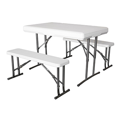 Mesas y asientos plegables