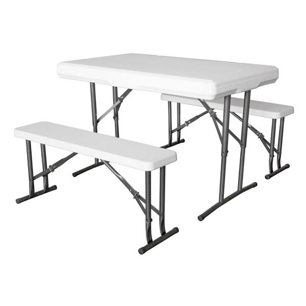 Mesa, bancos y sillas plegables